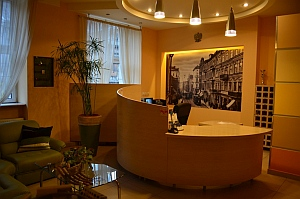 Lodz Youth Hostel - frontdesk