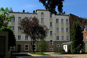 Lodz Youth Hostel - outside view
